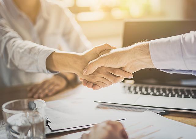 współpraca - uścisk dłoni - doradztwo podatkowe